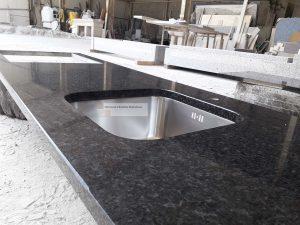 Balcão de cozinha em Granito Preto Angola 3